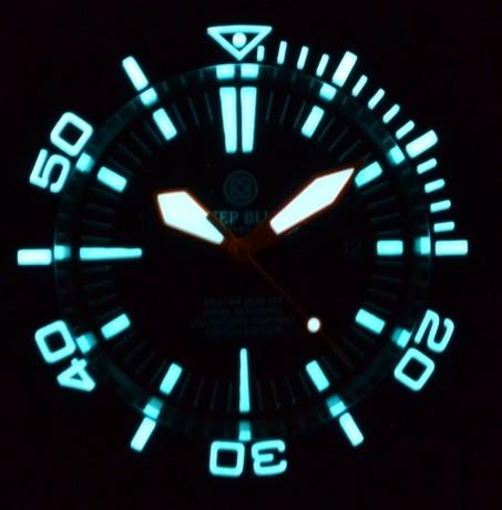 214e4bbbf28 ... Deep Blue MASTER 2000 Automatic Diver Swiss ETA 2824-2 Orange hands  Black dial ...